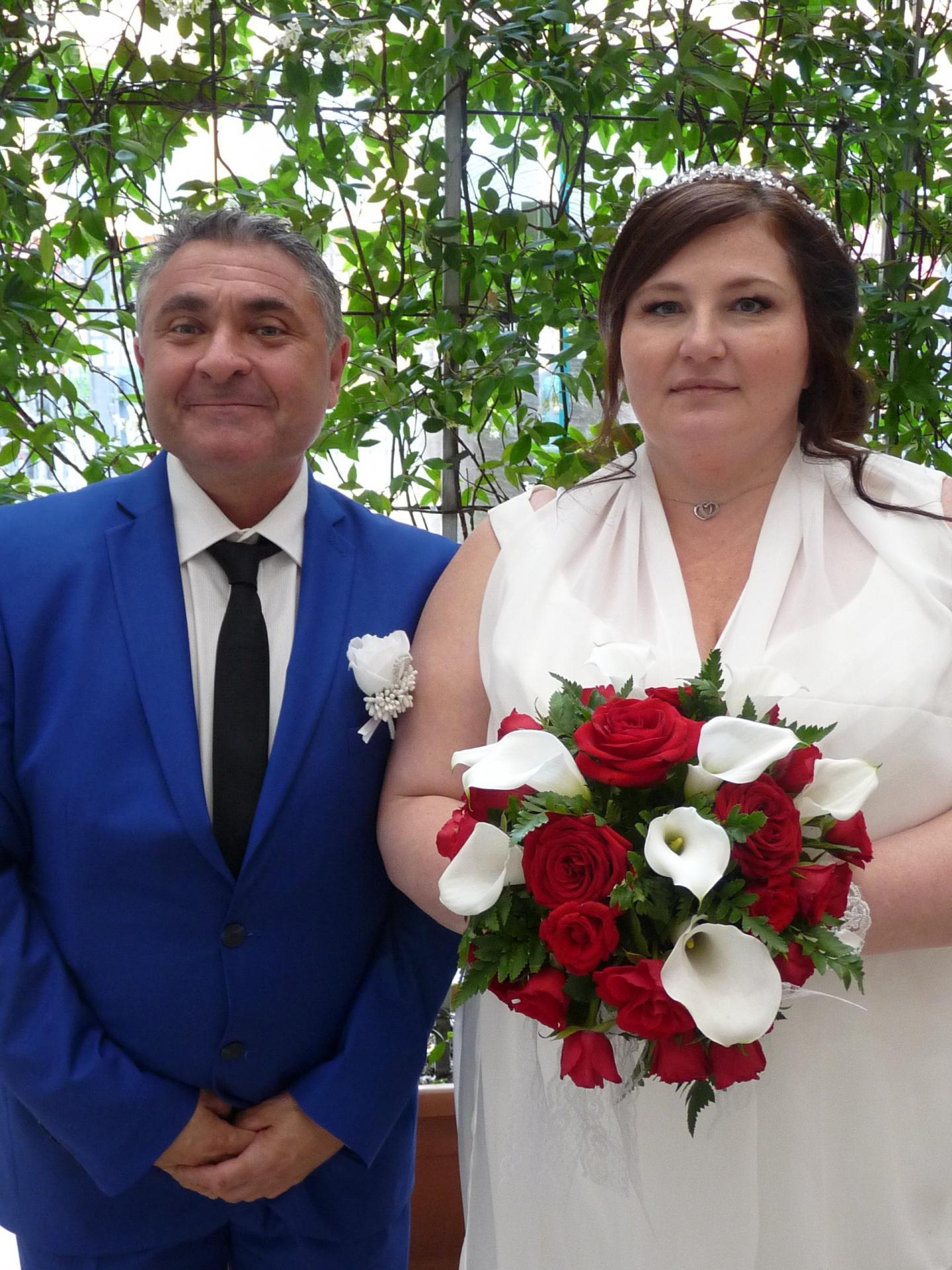 Jean-Marie Maiffret, technicien d'assainissement, et Nathalie Reti, comptable.