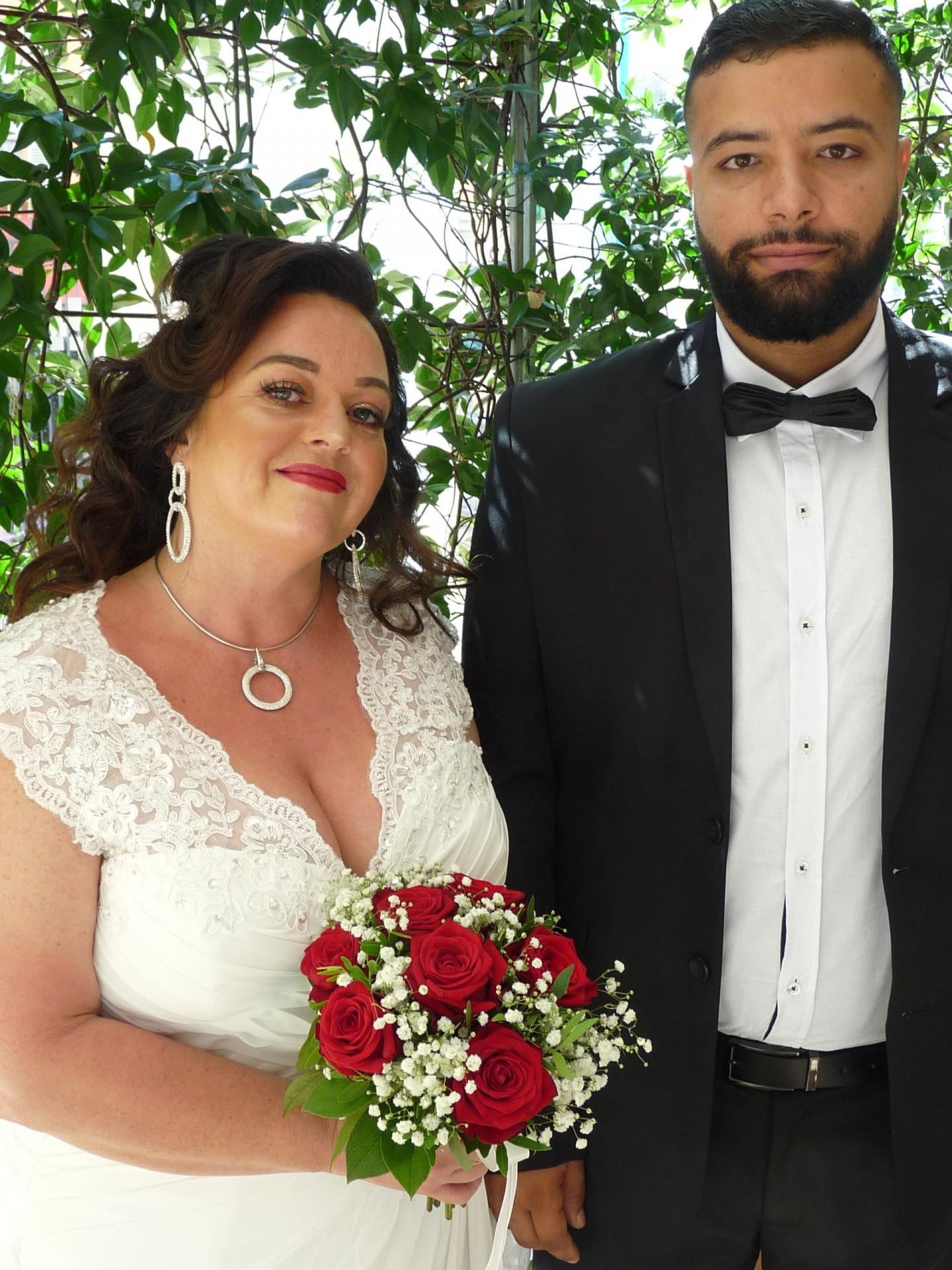 Caroline Laure, aide-soignante et Ahmed Hafnaoui, technicien.
