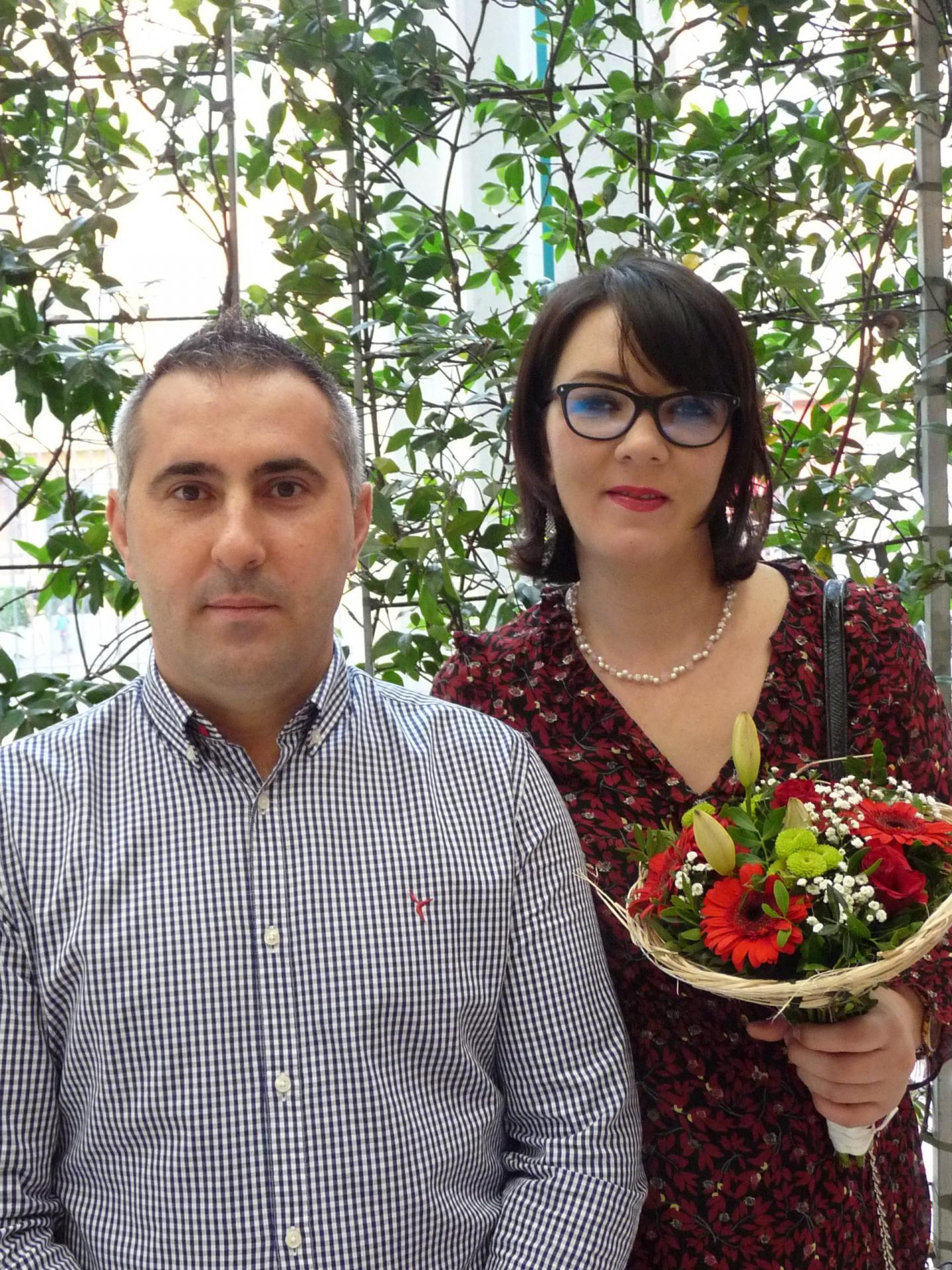 Costel Ciuleandra, artisan et Elena-Irina Lucanu.