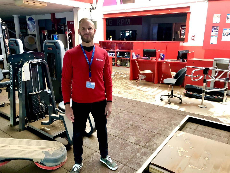 Guillaume Nouvion, le manager de Fitlane, estime qu'il y aura au moins un mois de travaux.