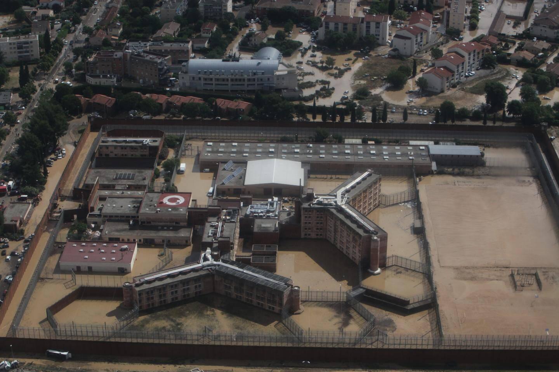 Vue de l'ancienne prison de Draguignan sous les eaux , le 15 juin 2010.