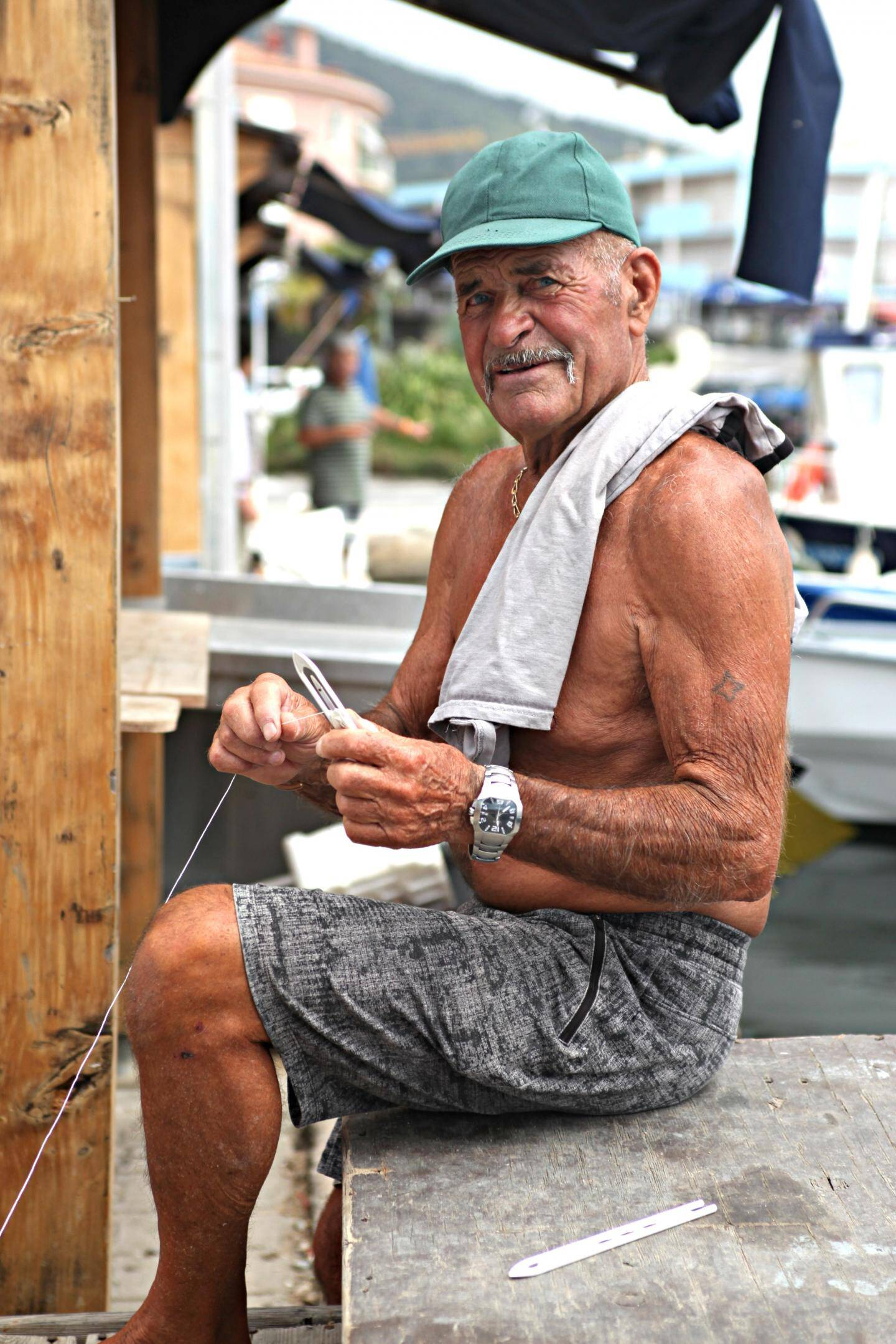 Aujourd'hui retraité, Roger, 77 ans, est plutôt enthousiaste à l'idée de voir ses collègues équipés de matériel de haute technologie.