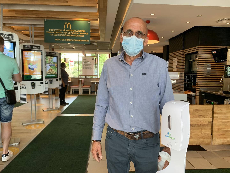 Claude Santiago, le patron du restaurant, assure que les procédures de sécurité sanitaire sont drastiquement observées. Pour le personnel, mais aussi pour la clientèle.
