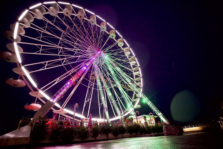 Le bord de mer restera illuminé via sa grande roue, sans savoir pour l'heure si elle pourra accueillir du public.