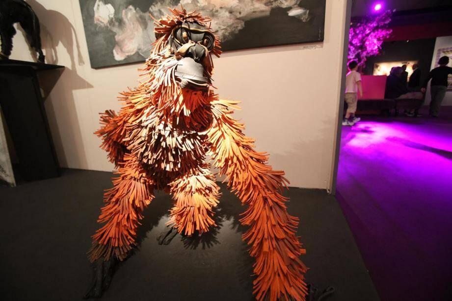 Orang-outan orange : toute une ménagerie surprenante signée Serge van de Put.