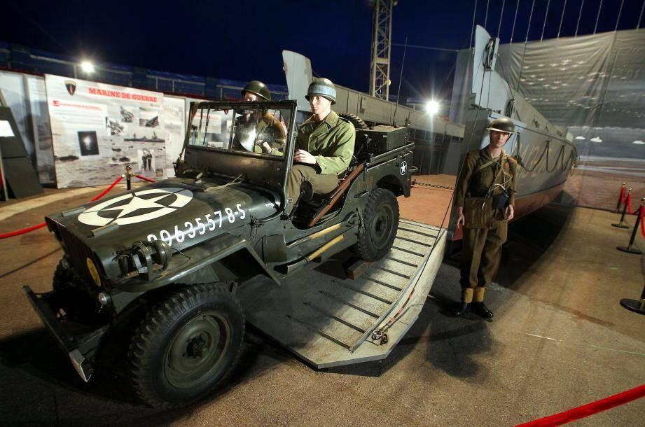 Les centaines d'objets de collectionneurs mis en scène pour cette exposition donnent le ton sur cette date historique, considérée comme l'opération militaire la plus mythique du XXe siècle.