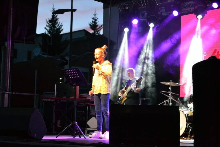 Liane Foly a confié qu'elle était très heureuse d'avoir été choisie pour cette Tournée Nice-Matin. « Le plus important, c'est le public. Je fais un métier passion, un exercice périlleux, qui demande de la technique vocale, je continue à chanter pour le public ». Une histoire d'amour partagée avec les Valbergans.