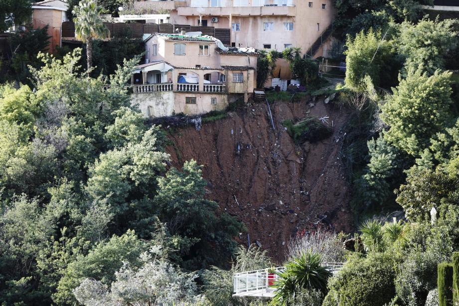 La cicatrice s'est élargie sous la maison du boulevard des Termes.