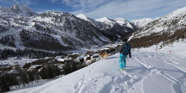 Pour l'heure, les stations de ski ne sont pas autorisées à rouvrir pour les vacances et les fêtes de fin d'année.
