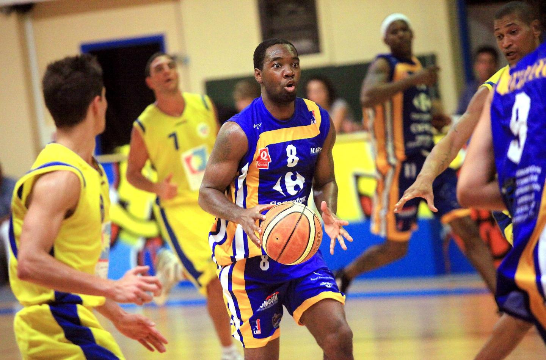 Basket en direct ouverture - 14145053.jpg