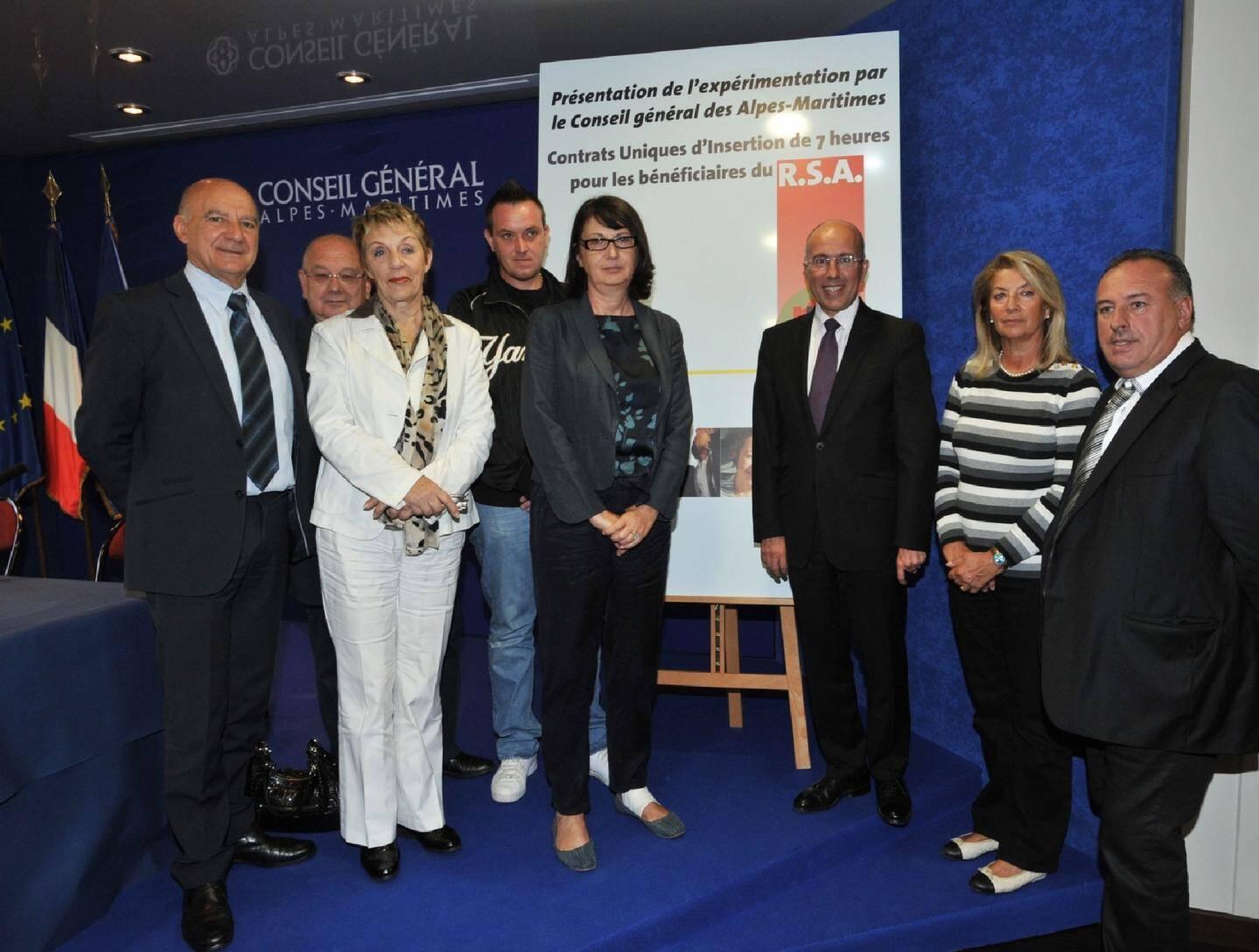 Eric Ciotti, président du conseil général et Françoise Buffet, directrice régionale du travail ont présenté ce nouveau dispositif.(Photos Richard Ray)