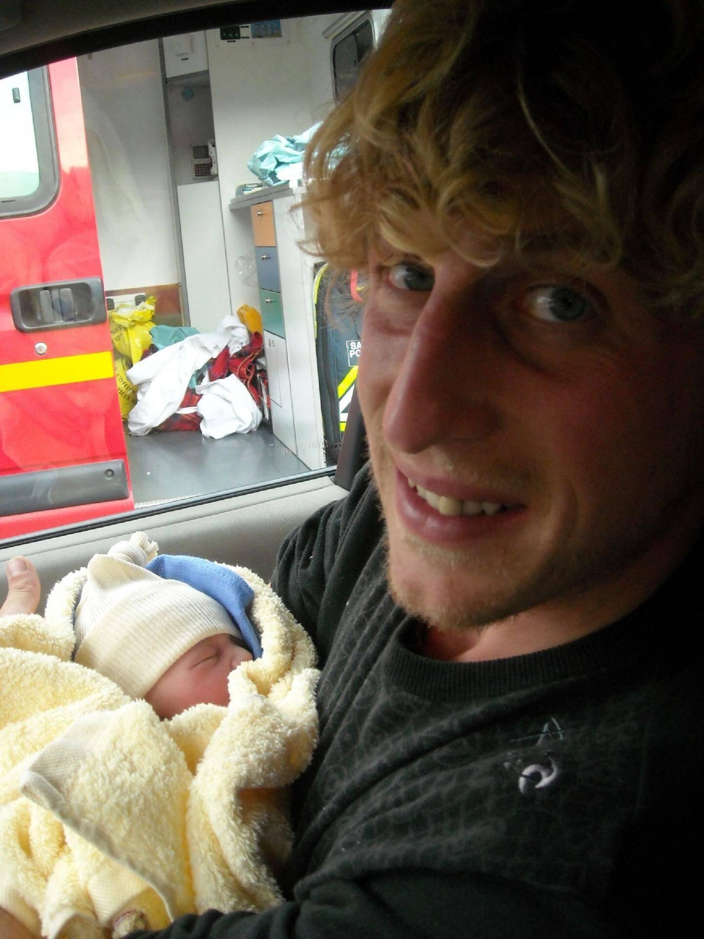 La petite Jeanne est née hier, vers 15 h, au domicile de ses parents, à Tende. (Photos Sophie Forestier)