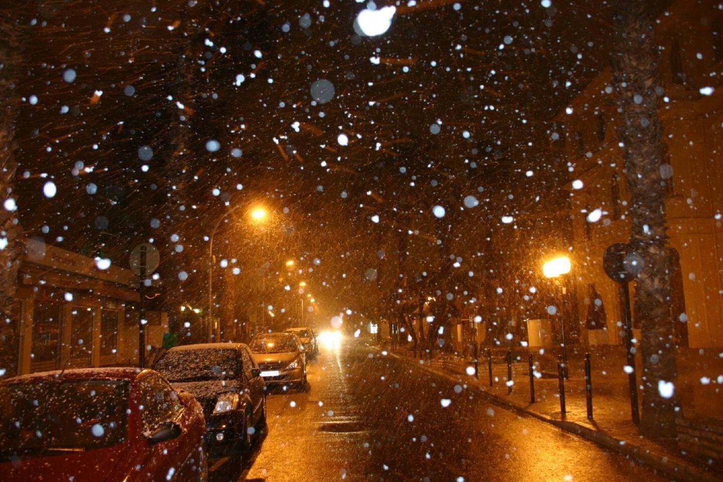Les premières chutes de neige ont débuté hier soir sur le littoral hyérois.