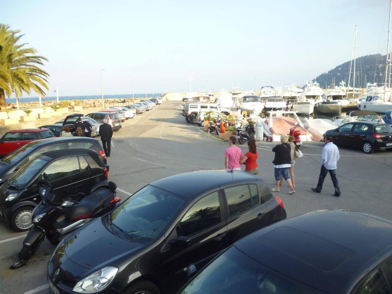 En 2013, les places du port de la Rague devraient être en stationnement payant.