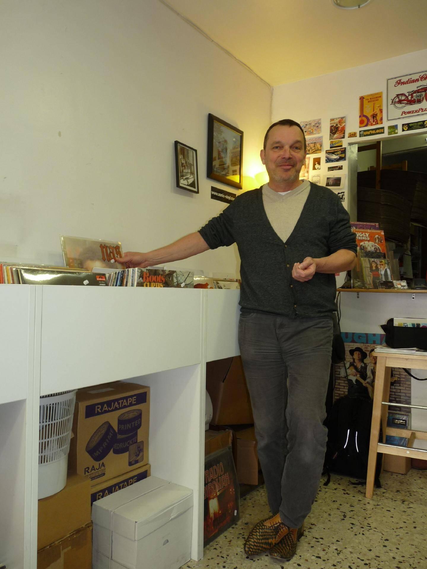 Frédéric Dormoy, de Sonic Import, estime être « un disquaire heureux ».