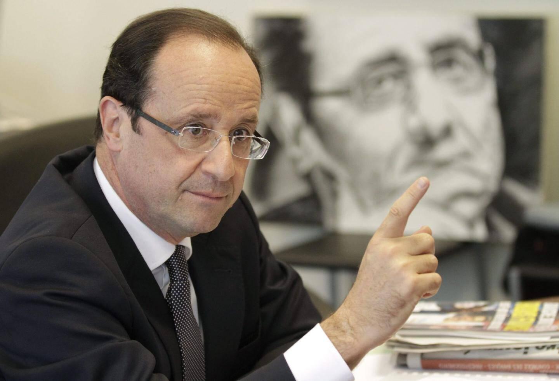 Le socialiste François Hollande est arrivé en tête du premier tour avec 28,63 %, suivi du président sortant Nicolas Sarkozy avec 27,18 %.