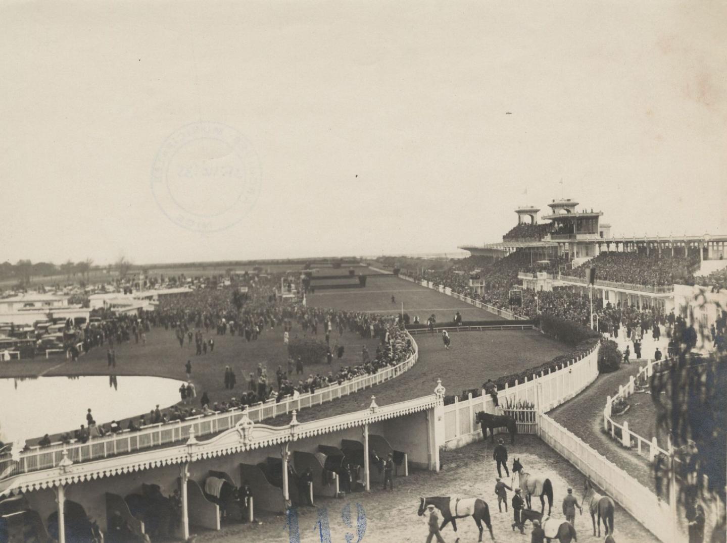 Dessin du Parc des Sports de la ville de Nice qui devait voir le jour à Nice Nord. (Archives des A.M.)