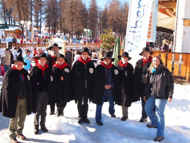 Les membres de la Confrérie des Rabassiers étaient présents pour promouvoir la truffe des Alpes-Maritimes.