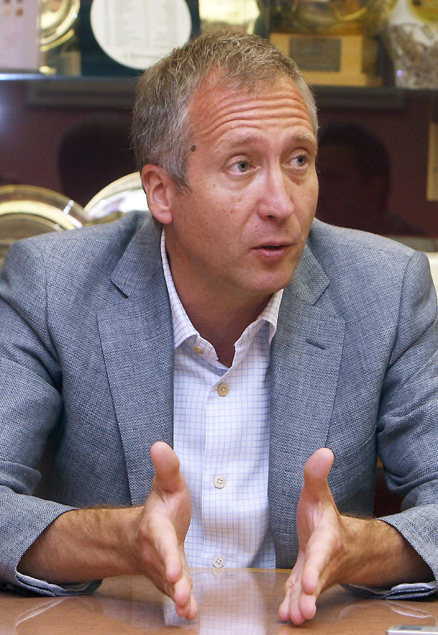 « Notre volonté, c'est de construire une équipe capable de bien jouer et qui peut donner du plaisir aux supporters » , clame Vadim Vasilyev.
