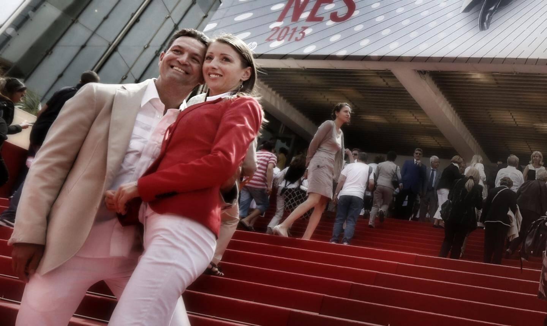 Ambiance des grands jours sur le tapis rouge du Festival ce lundi.