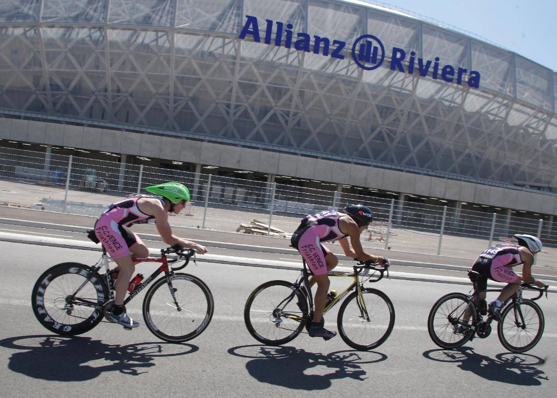 Deux matchs du RCT sont programmés à l'Allianz Riviera de Nice face à Clermont (9e journée, 4-5 octobre) et face à Cardiff pour la 5e journée de H Cup (10-11-12 janvier 2014)