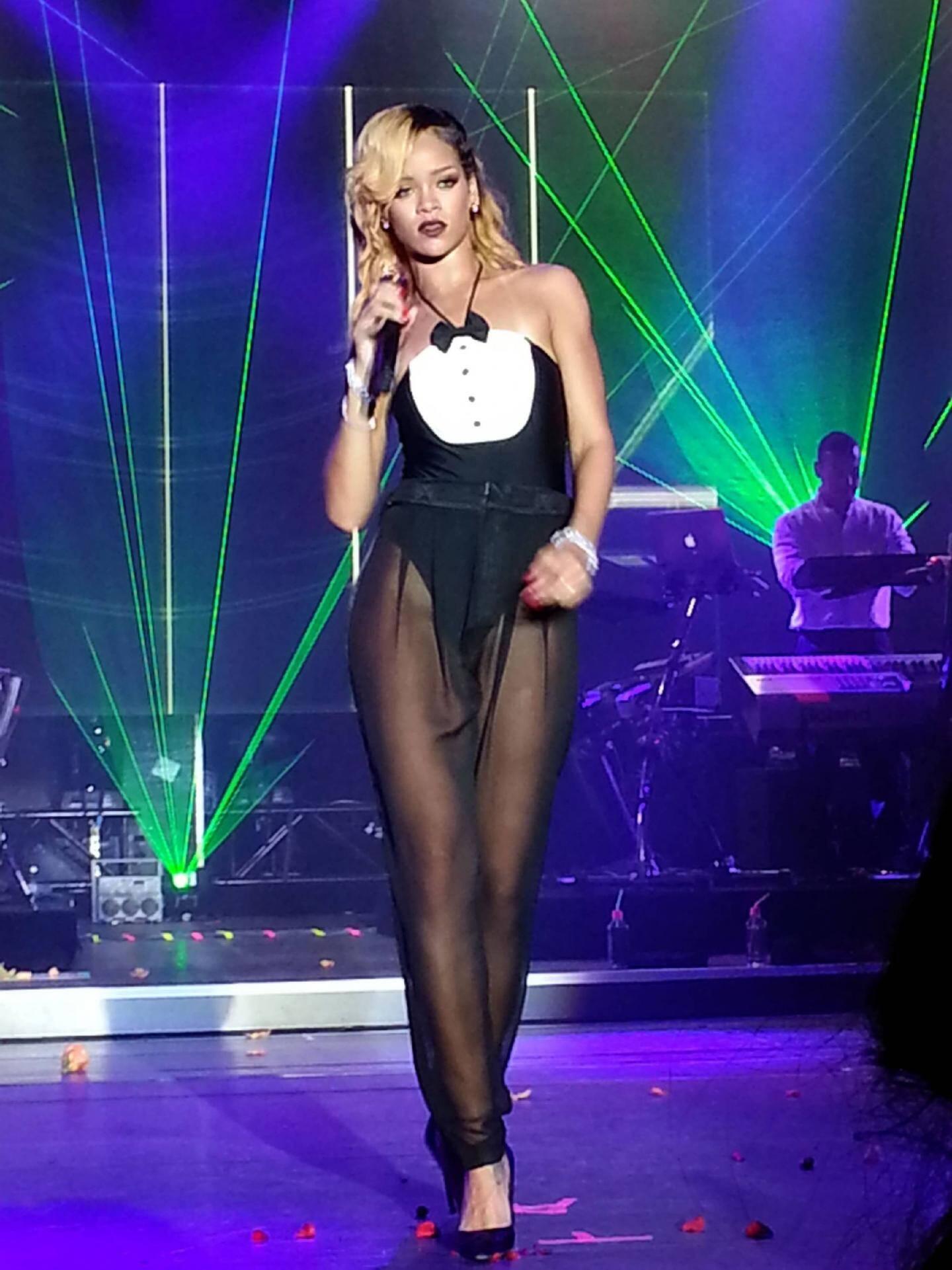 La star du R'n'B Rihanna s'est offert deux soirées au Sporting, imposant les lieux parmi les incontournables de la planète.