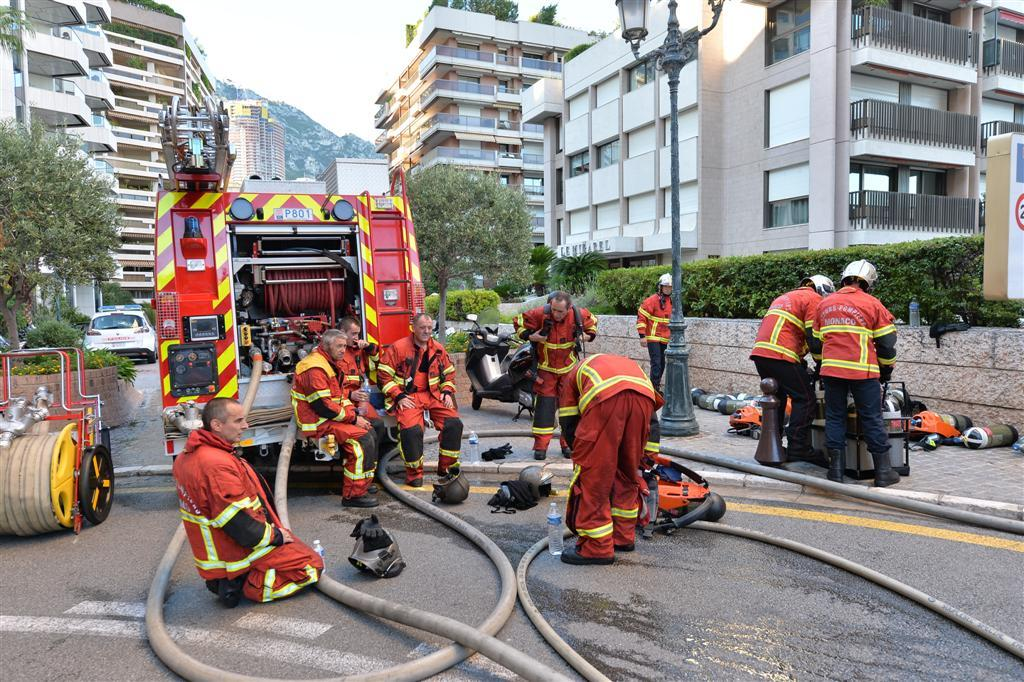 Plus de vingt sapeurs pompiers de Monaco sont intervenus pendant près de deux heures, avenue des Citronniers.