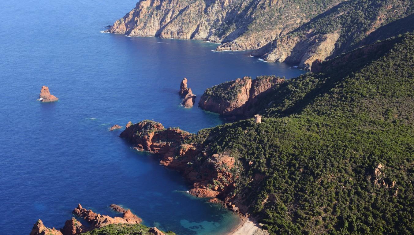 La réserve naturelle de Scandola en Corse.