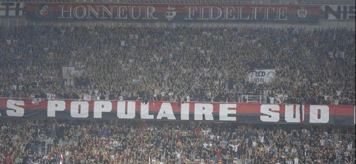 """La banderole """"Ultras Populaire Sud"""" est désormais chez elle à l'Allianz Riviera."""