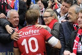 Jonny Wilkinson, accueilli en héros par les supporters toulonnais.