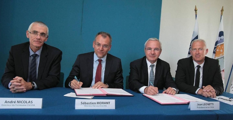 De gauche à droite : André Nicolas (directeur du patrimoine d'Escota), Sébastien Morant (directeur général d'Escota), Jean Leonetti (président de la Casa) et Thierry Occelli (vice-président de la Casa).