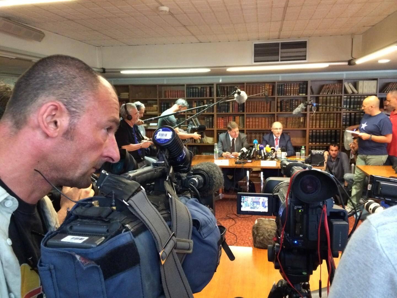 Le procureur de la République de Marseille Brice Robin (à droite) et le DDPJ Christian Sainte ont tenu une conférence de presse sur l'affaire Pastor.