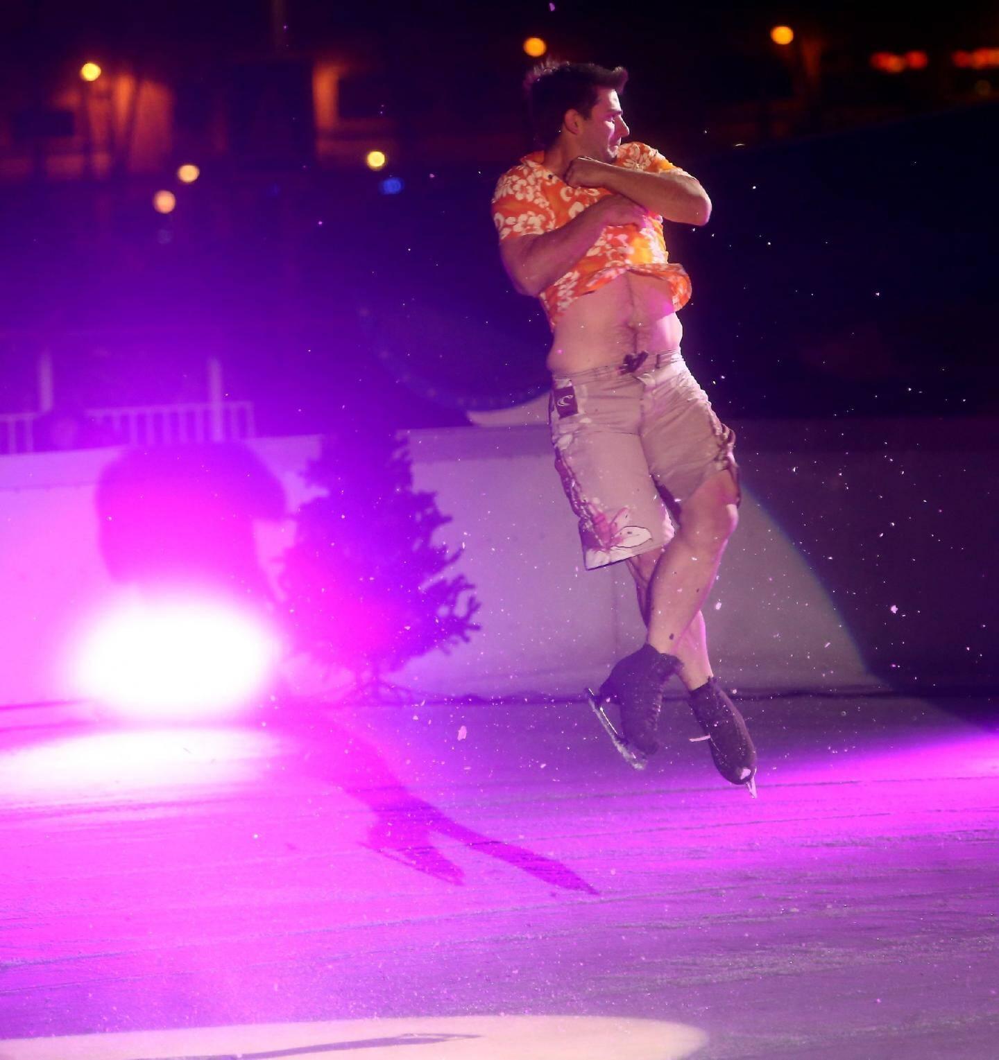 La troupe « Patin'Air » a interprété un spectacle sur le thème du cirque.