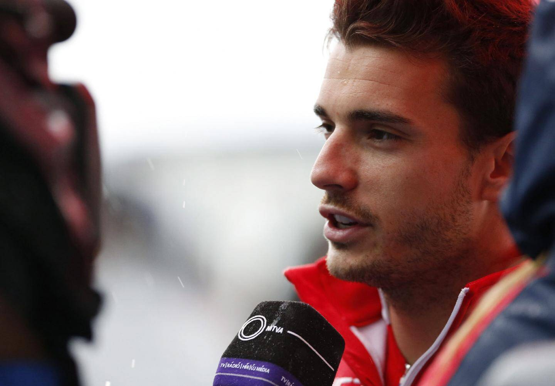 Confiant après son excellent début de saison, Jules attendait beaucoup du grand prix de Formule 1 au Japon. 48 h avant le drame, il était prêt à tout donner sur la piste...