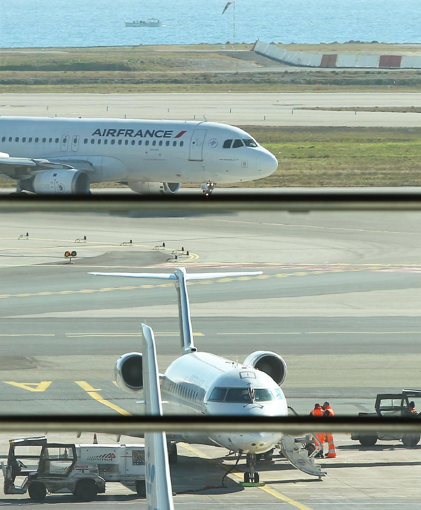 Dans son fief du terminal 2, Air France a réduit la grille horaire des liaisons avec Paris. A tel point que, pour le directeur de la CCI, le terme « navette » n'est plus approprié.