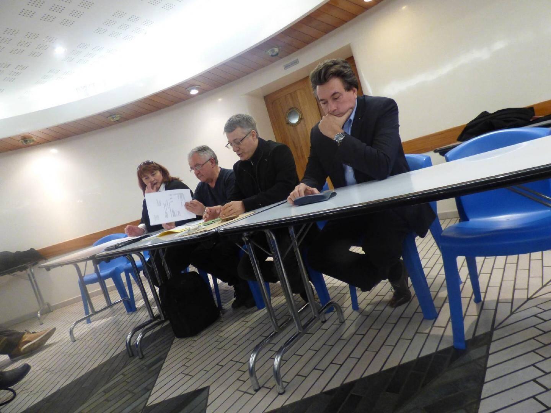 De gauche à droite : Hélène Bernardi, adjointe au Développement économique, au Commerce et à l'Artisanat, Paul Vallagnosc, membre entre autres de l'association, Denis Perez, président de l'UMCA et le maire Vincent Morisse.