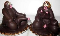 Baptisés Dieux et Déesses, ces gâteaux d'un goût certes discutable se retrouvent au centre d'une polémique.