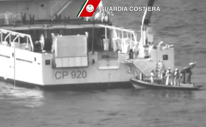 Plus de 700 migrants sont portées disparus après le naufrage d'un chalutier portugais en Méditerranée