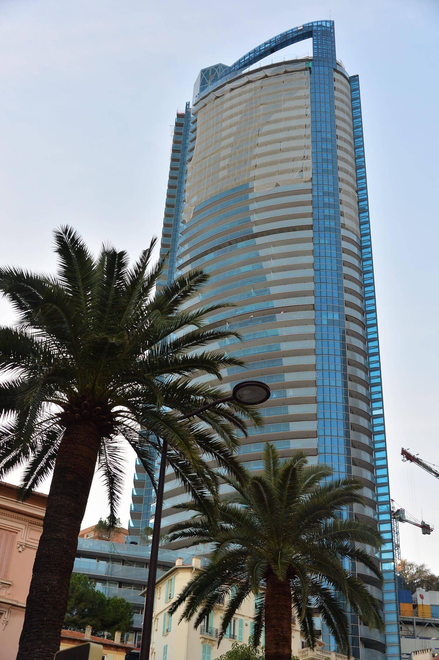 Les 150 appartements domaniaux de la tour Odéon, destinés aux Monégasques, et les 17 bureaux seront livrés ce jeudi 30 avril au service des Domaines. Les premiers locataires poseront leurs valises début juin.