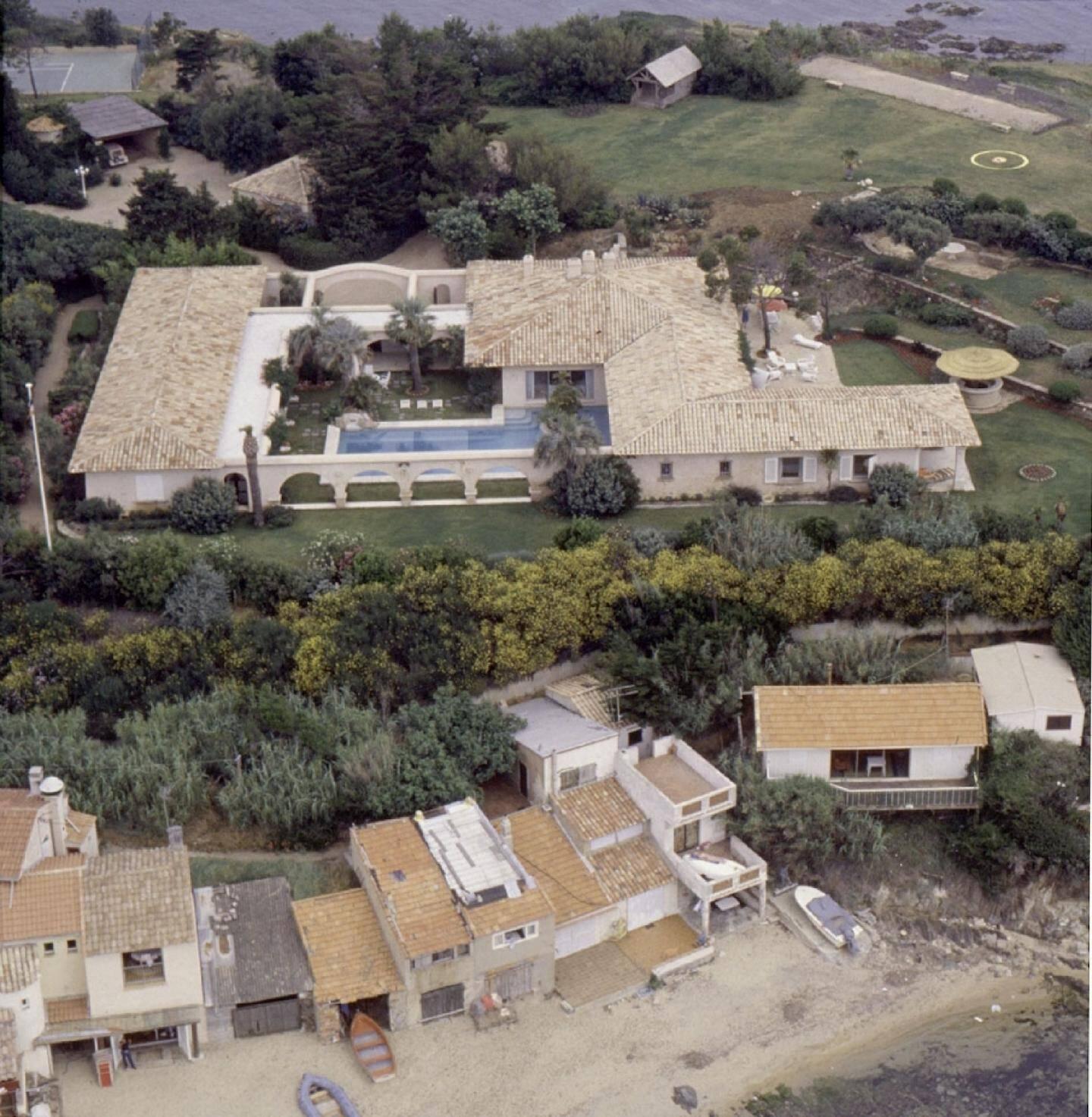 La villa à l'époque d'Eddie Barclay. Depuis de nombreux travaux ont eu lieu.