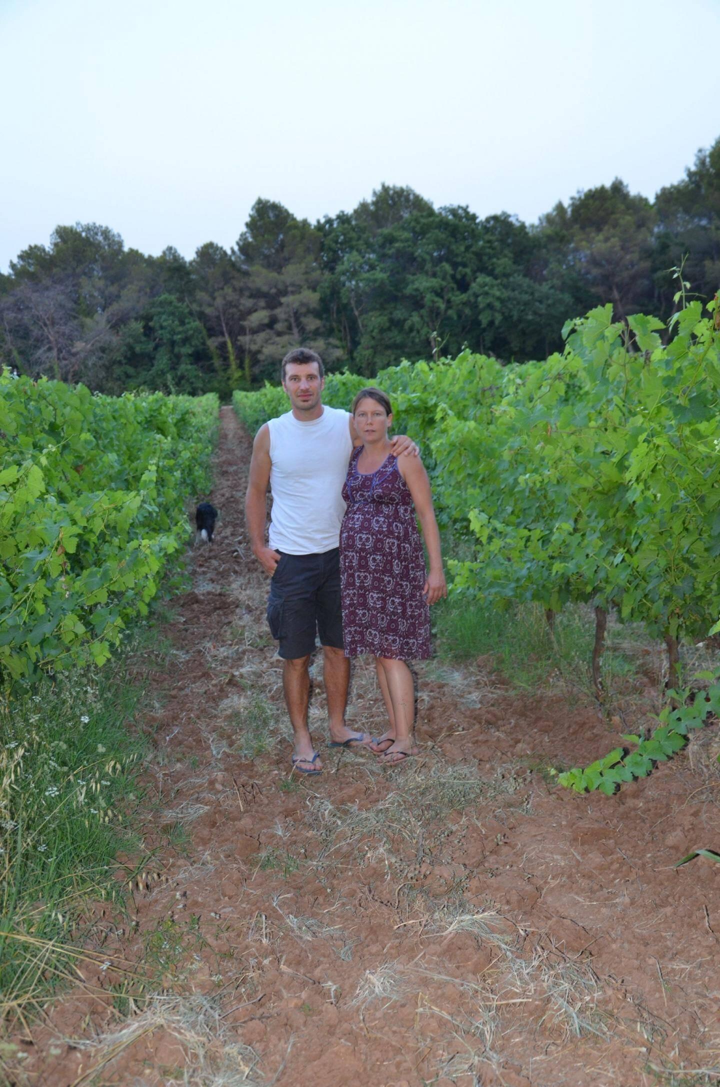 Avec son mari, Fanny Marchal veut élever des insectes à côté de ses vignes. Elle a déposé un dossier, il y a quelques mois auprès de la Direction départementale de la protection des populations. Elle a encore beaucoup de paperasse à gérer.