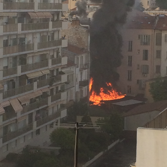Un restaurant prend feu à Nice-Nord