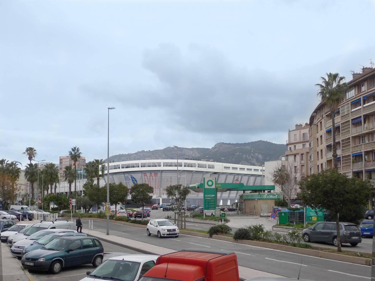Le futur stade Mayol, qui pourra accueillir 18 000 spectateurs, conservera l'esprit actuel, ses structures restant moins hautes que les bâtiments de l'avenue Roosevelt.