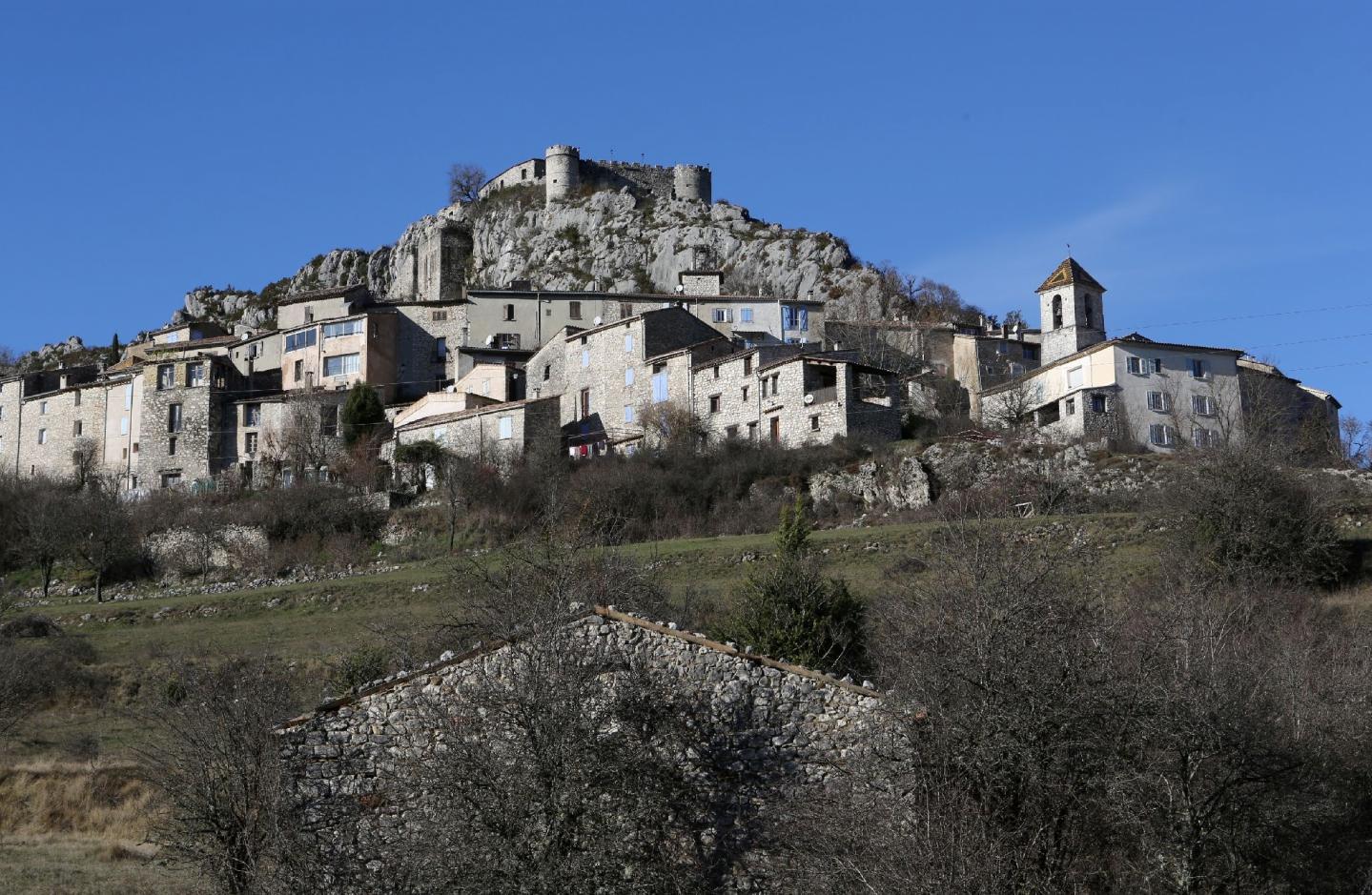 A Comps-sur-Artuby comme dans d'autres villages, le problème est le manque de logements disponibles.