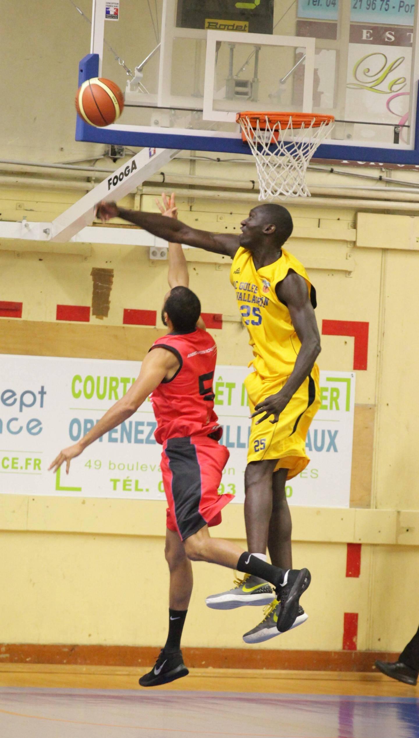 L'Azuréa de Moussa Badiane vise un 7e succès à domicile.