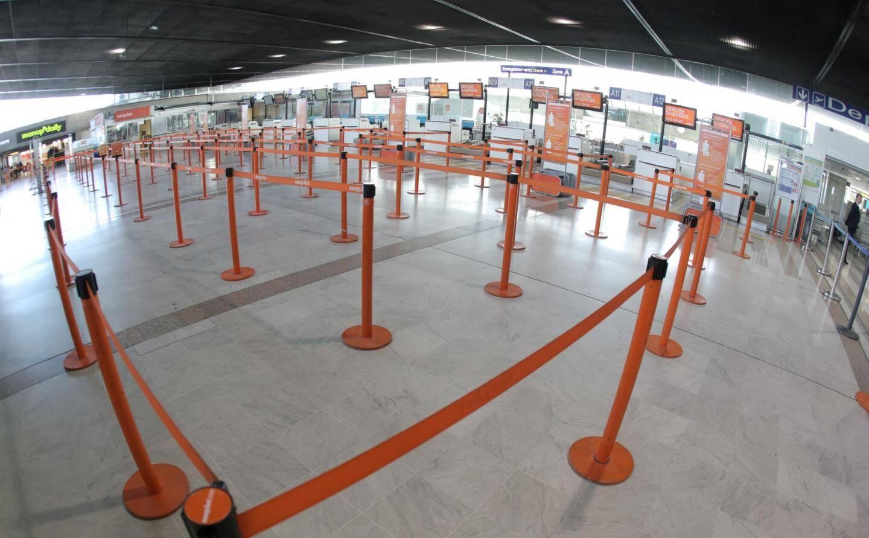 Calme plat à l'aéroport hier matin : les passagers ont bien entendule message des compagnies aériennes.