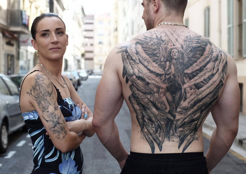 Véritables œuvres d'art parfois, comme cette pièce de grande taille signée Loïc Malnati, les tatouages sont de moins en moins signe d'appartenance à une communauté, mais au contraire d'affirmation individuelle.