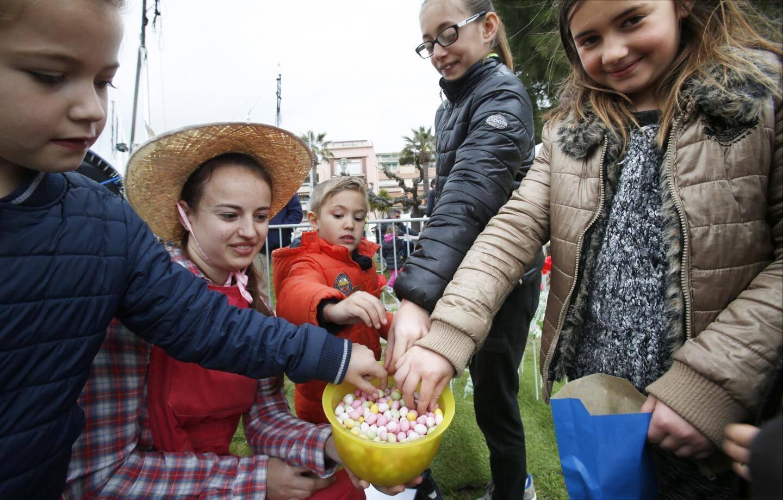 Plus de 500 œufs et 350 lapins en chocolat devaient être distribués hier aux enfants.