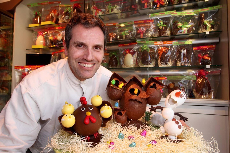 Installé depuis 10 ans à Sospel, Alexis Demaria a su trouver sa clientèle et se faire une jolie réputation invitant à déguster des chocolats artisanaux de qualité.