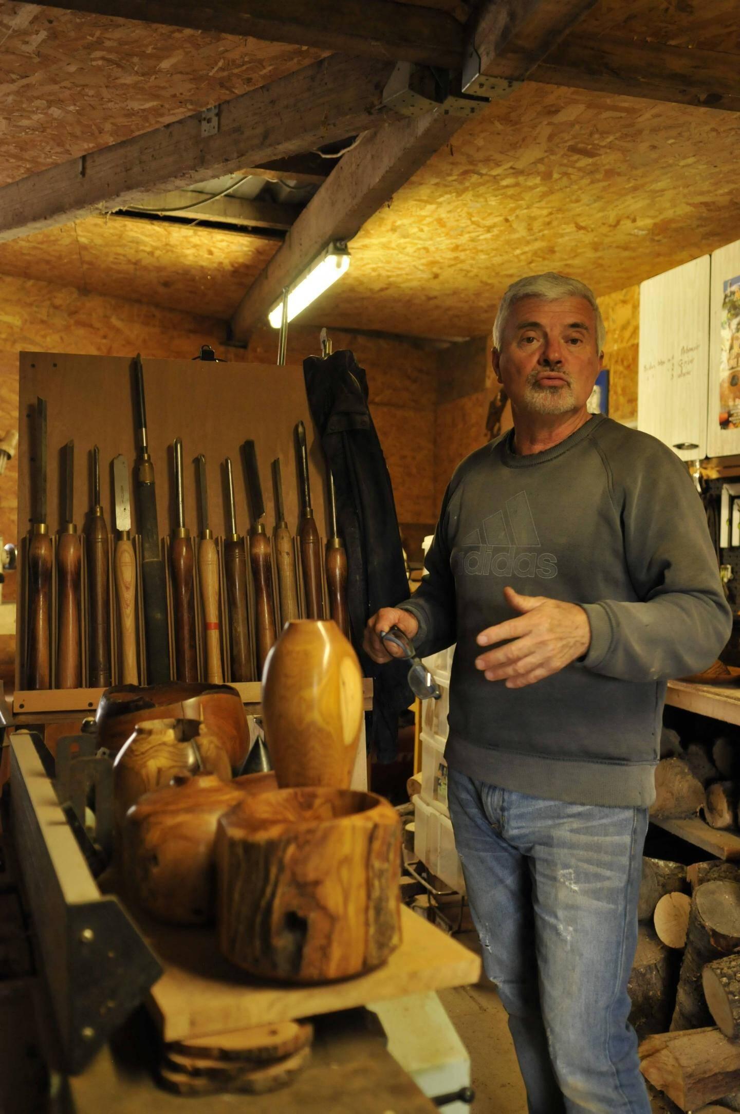 Pierre Jalade a transformé une partie de sa maison pour réaliser son atelier.